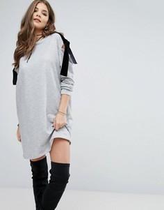 Платье-джемпер с открытыми плечами и бархатными завязками Boohoo - Серый