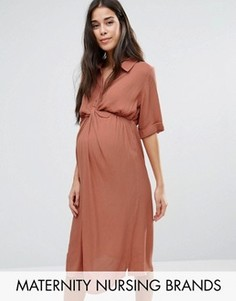 Чайное платье на пуговицах с короткими рукавами и воротником Mamalicious - Коричневый Mama.Licious