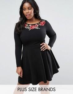 Короткое приталенное платье с вышивкой у горловины Club L Plus - Черный