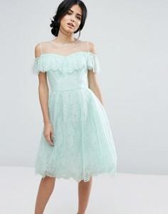 Кружевное платье миди с оборкой Chi Chi London - Зеленый