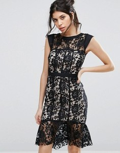 Кружевное платье с оборкой Paper Dolls - Черный