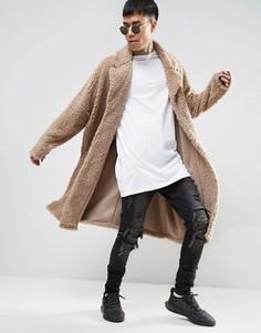 Бежевое легкое оversize-пальто из искусственного меха ASOS - Бежевый