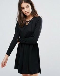 Короткое приталенное платье с завязкой Brave Soul - Черный