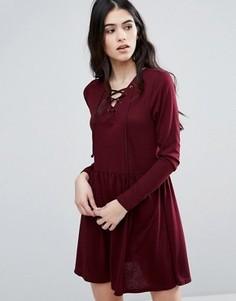 Короткое приталенное платье с завязкой Brave Soul - Красный