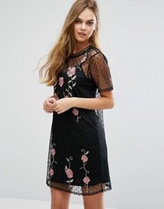 Сетчатое платье-футболка с вышивкой New Look - Черный