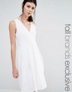 Короткое приталенное платье без рукавов Y.A.S Tall Unia - Белый