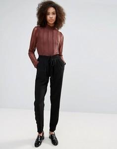 Узкие брюки B.Young - Черный