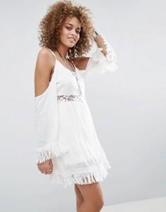 Платье с кружевной вставкой и открытыми плечами Raga The Hayley - Белый