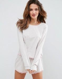 Пижамный комплект с лонгсливом и шортами ASOS - Кремовый