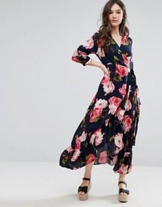 Платье макси с принтом и запахом QED London - Темно-синий