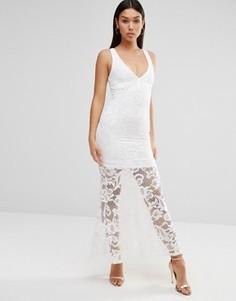 Платье макси с глубоким вырезом и цветочным кружевом Wyldr Cassil - Кремовый