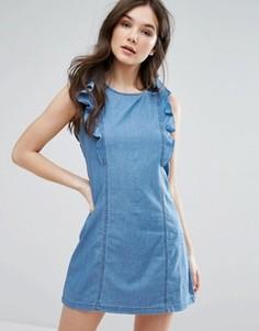 Джинсовое платье с оборками на рукавах QED London - Синий