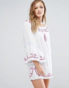 Пляжное платье мини с открытыми плечами и отделкой Anmol - Белый