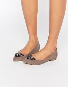 Декорированные туфли на плоской подошве с острым носком Carvela Manic - Серый