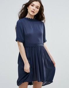 Свободное платье с короткими рукавами Vero Moda - Темно-синий