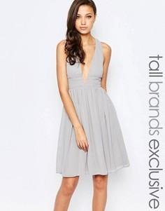 Платье миди для выпускного с глубоким вырезом и открытой спиной True Decadence Tall - Серый