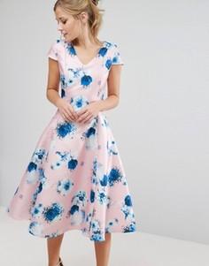 Приталенное платье с пышной юбкой и цветочным принтом True Decadence - Розовый