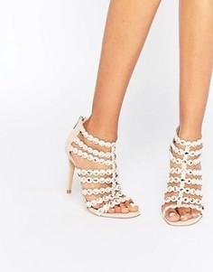Решетчатые сандалии на каблуке с декоративной отделкой Steve Madden Shining - Бежевый