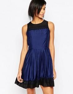 Платье для выпускного с кружевными вставками Iska - Темно-синий