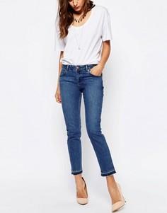 Синие выбеленные джинсы бойфренда с распущенными кромками ASOS Kimmi Shrunken - Синий