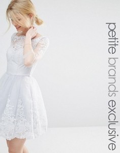 Платье мини для выпускного с длинными рукавами и вышивкой Chi Chi London Petite - Серый