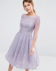 Платье-премиум для выпускного длиной миди с кружевной отделкой Chi Chi London - Фиолетовый