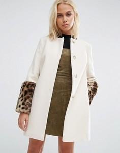 Кремовое пальто с принтом ягуара на искусственном меху Helene Berman - Кремовый