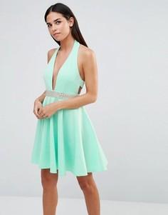 Платье для выпускного с лямкой через шею и отделкой стразами Club L - Зеленый