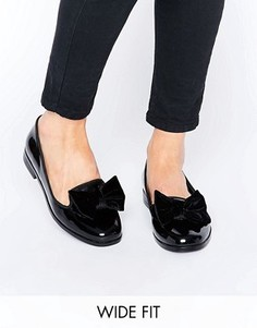 Туфли на плоской подошве для широкой стопы с бантом ASOS MONICA - Черный