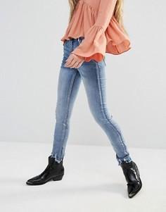 Джинсы с узкими штанинами и необработанным краем Glamorous - Синий