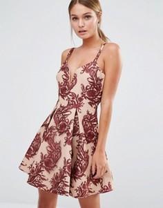 Украшенное вышивкой платье с декольте и пышной юбкой Stylestalker - Мульти