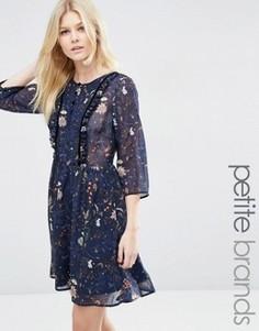 Платье с цветочным принтом и оборками Vero Moda Petite - Синий