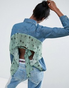 Джинсовая рубашка с открытой спинкой и оборкой ASOS Made In Kenya - Синий