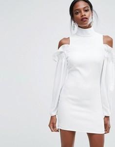 Платье мини с оборками и вырезами на плечах AQ/AQ - Белый