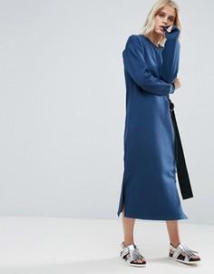 Трикотажное платье миди с поясом и D-образной пряжкой ASOS - Темно-синий