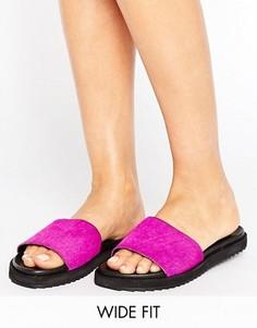Кожаные шлепанцы для широкой стопы с эффектом ворса пони New Look - Розовый