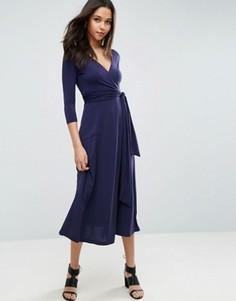 Платье миди из крепа с запахом ASOS - Темно-синий