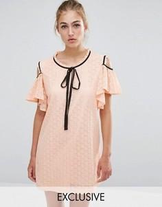 Кружевное платье с открытыми плечами и оборками Sister Jane - Бежевый