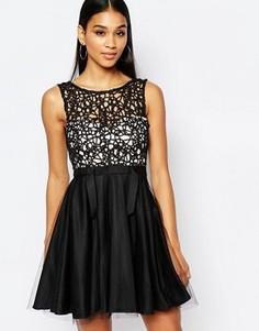 Платье мини для выпускного с вырезным узором и юбкой из тюля Lipsy - Черный