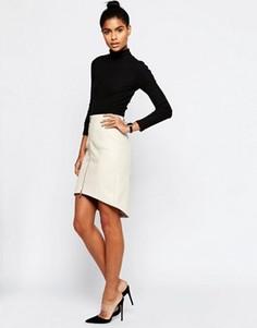 Фактурная полиуретановая юбка-карандаш на молнии спереди ASOS - Кремовый