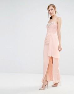 Платье-бандо макси с кружевным лифом и отделкой Elise Ryan - Розовый