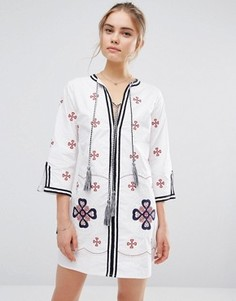 Платье мини с вышивкой и кисточкой Endless Rose - Белый