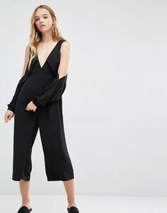 Комбинезон с вырезами на плечах и укороченными штанинами Neon Rose - Черный