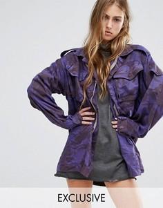 Куртка в стиле милитари с камуфляжным принтом Reclaimed Vintage - Фиолетовый