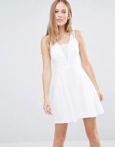 Платье с кружевной вставкой BCBGeneration - Белый