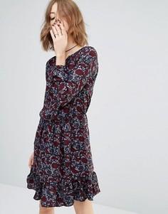 Короткое приталенное платье с оборками по краю и принтом First & I - Мульти