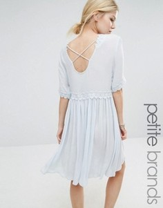 Платье с перекрестом сзади и отделкой кроше Vero Moda Petite - Темно-синий