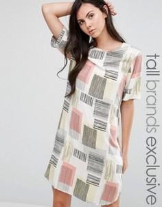 Платье-футболка с графическим принтом Adpt Tall - Розовый