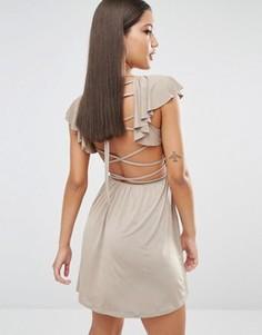 Короткое приталенное платье с оборками и лямками сзади Oh My Love - Коричневый