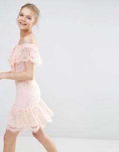 Кружевное платье с открытыми плечами Endless Rose - Розовый